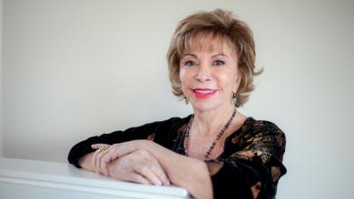 Photo of Amazon Prime Video y Megamedia presentan Isabel, la serie biográfica de la escritora Isabel Allende